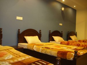 Haarita_Ayurvedic_Hospital_Accommodation_Deluxe_Rooms.jpg