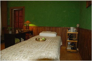 Shakti_Mudra_Center_Bedroom.jpg