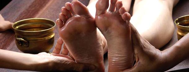Shanthi_Ayurveda_Ashram_Treatments_Foot_Massage.jpg