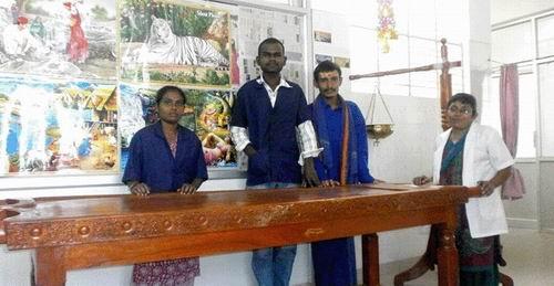 Shri_Ramakrishna_Kerala_Ayuryoga_Kendra_Staff.jpg