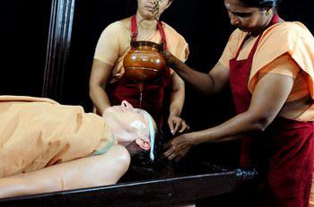 kalariyil_dharmikam_ashram_treatments_shiro_dhara.jpg